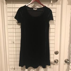 Socialite black velvet t shirt dress size medium